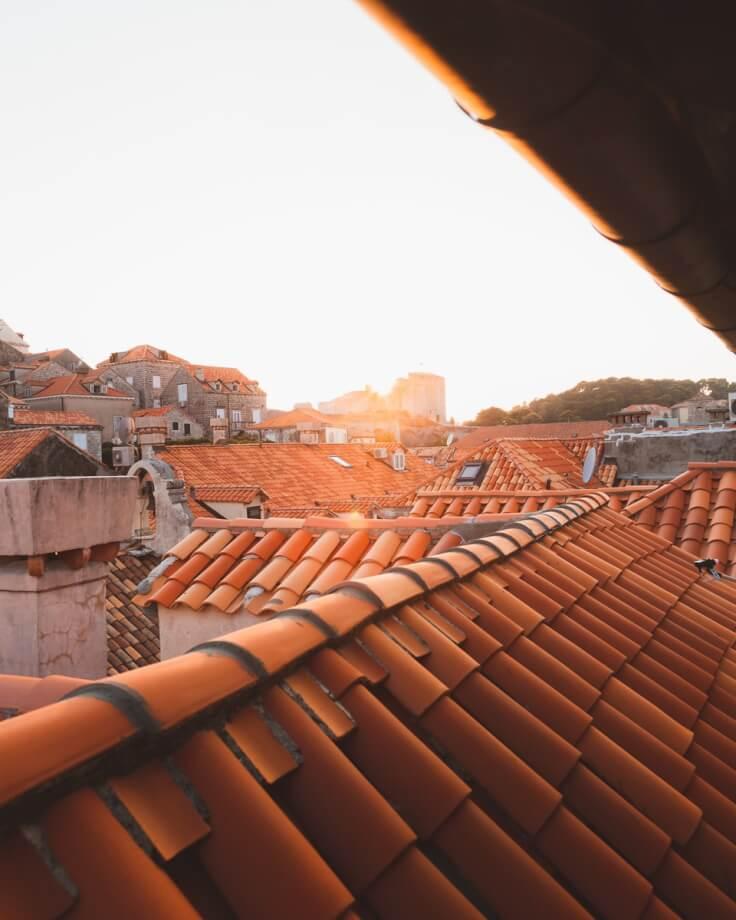 Couvreur Noisy Le Grand : Les différentes techniques d'isolation selon la configuration du toit